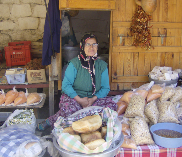 Woman selling bread_Turkey