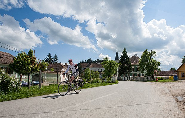 Cycling to Richis, Romania